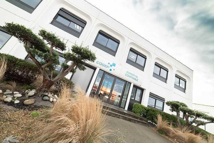Menuiseries nouveaux bureaux de la COGEP - Langueux dsc1333