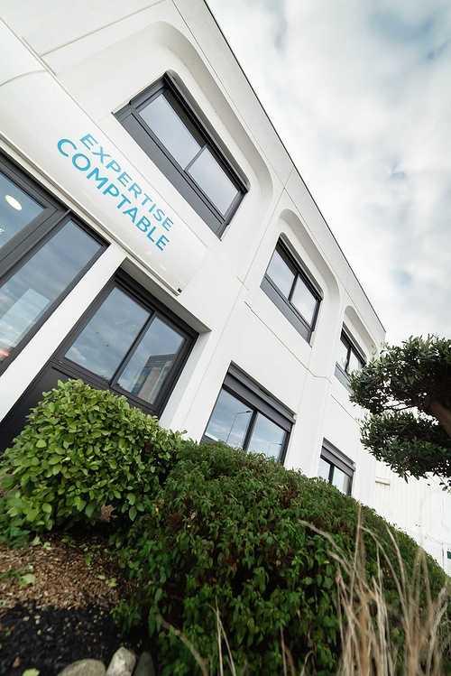 Menuiseries nouveaux bureaux de la COGEP - Langueux dsc1339