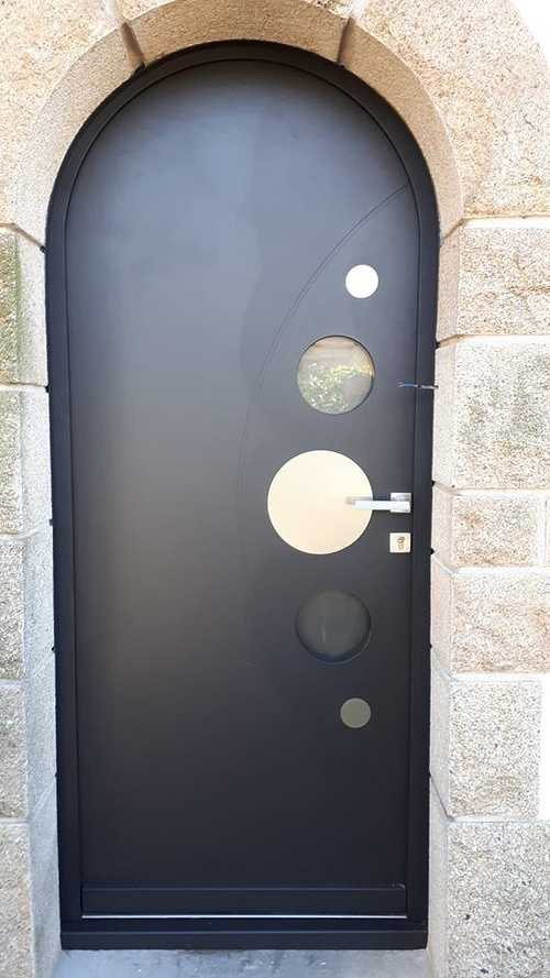 Rénovation de portes d''entrée en contre dormant cintré 0