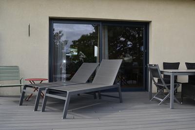 Baie vitrée mixte et porte d''entrée alu / bois - Maison à Plélo (22)