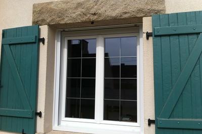Fenêtres PVC avec petits bois canon de fusil - Plérin menuiserie - Côtes d''Armor (Bretagne)