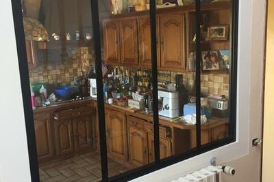 Installation d''une verrière type atelier dans la cuisine - St-Quay Portrieux - 22
