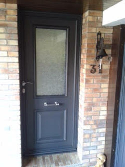 Menuiserie extérieure : porte d''entrée en aluminium - Plérin ( 22 - Bretagne)