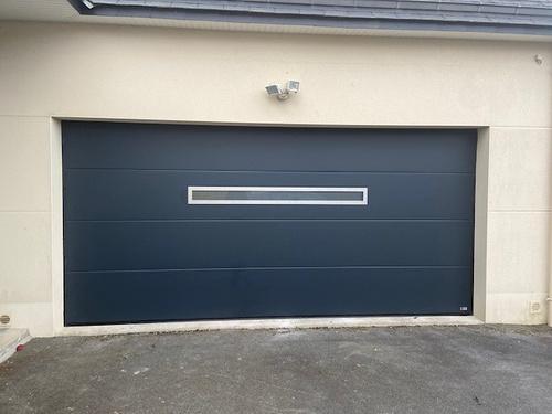 Porte de garage sectionnelle plafond- motorisée - Lamballe (22)