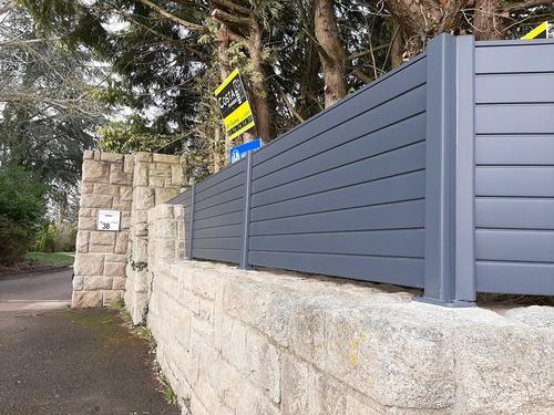 Pose d''une clôture en aluminium sur muret pierre- Trégueux - 22