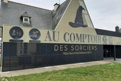 """Réalisation d''une façade de magasin """"Au comptoir des Sorciers"""" Harry Potter- Hillion"""