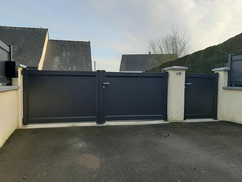Remplacement portail et portillon PVC par menuiseries alu - installation clôture- Plerneuf