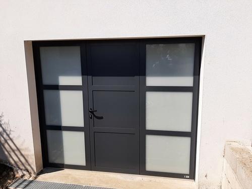Remplacement porte de garage bois par porte isolante, lumineuse et sécurisante - Pordic