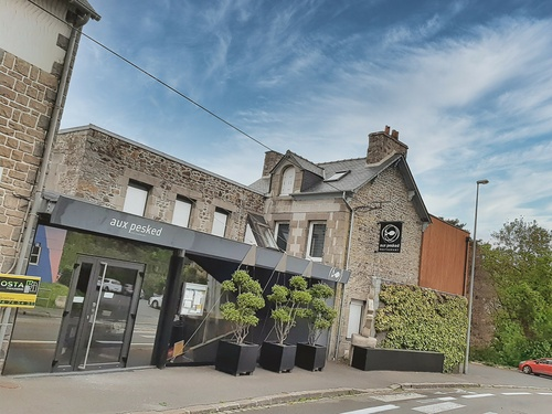 Rénovation vitrine et porte entrée - Restaurant Aux Pesked - Saint-Brieuc