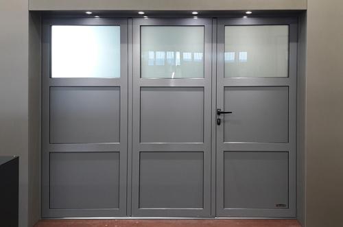 Une porte de garage vitrée - Aludoor