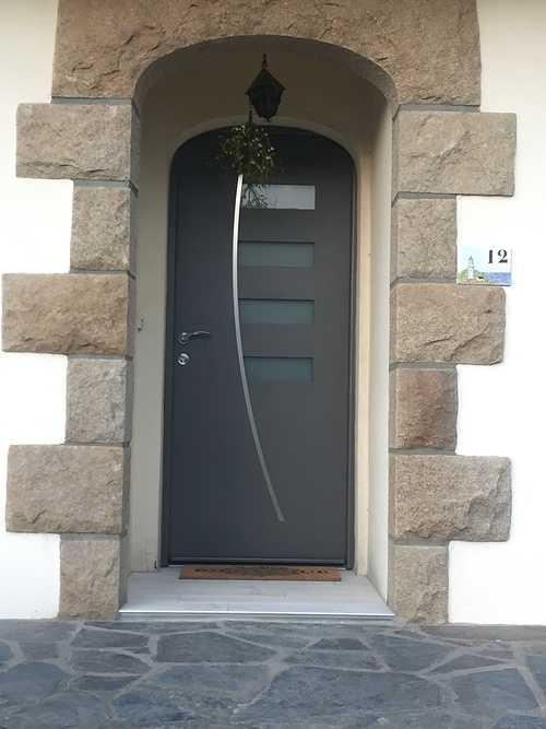 Porte entrée alu gris - Maison néo bretonne - Saint-Brieuc - Bretagne 0