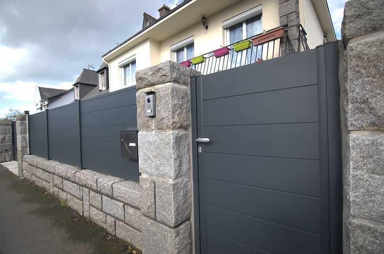 Portillon et portail alu motorisé, clôture coordonnée dsc7193