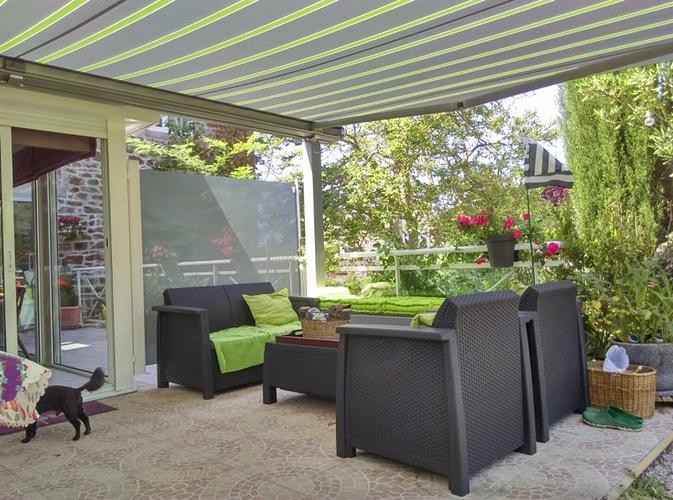 Aménagement terrasse avec pergola et brise-vent vitré - Pléneuf Val André -22 0