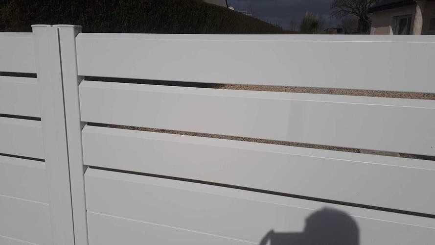 Portail aluminium 2 ventaux avec motorisation et digicode 2