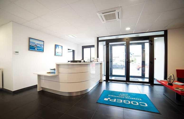 Menuiseries nouveaux bureaux de la COGEP - Langueux dsc1327