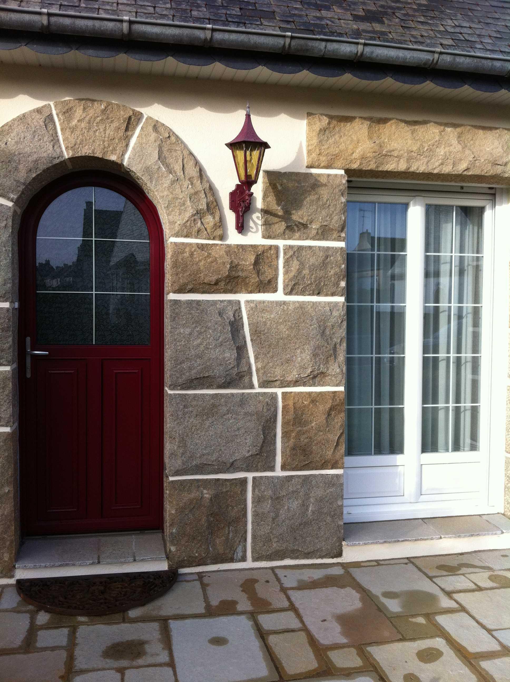 Porte D Entrée Rouge rénovation porte d'entrée et fenêtres à trégueux