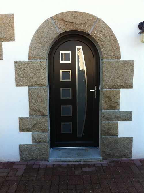 Porte d''entrée cintrée menuiserie alu et bois - Plérin - 22 - Côtes d''Armor 0