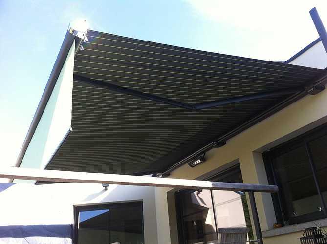 Store extérieur pour terrasse - Morieux - Lamballe - Menuiserie storemarkilux6000lambrequinmorieux3