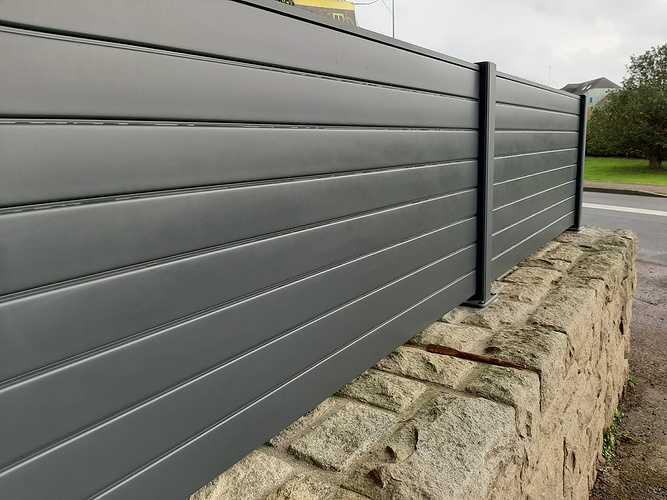 Pose d''une clôture en aluminium sur muret pierre- Trégueux - 22 20210119141011