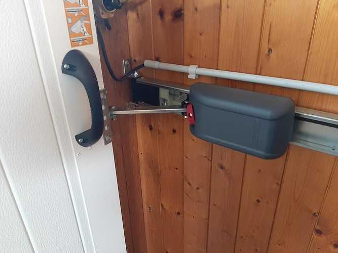 Porte de garage alu -sectionnelle motorisée - refoulement latéral - Lamballe 20210216144046