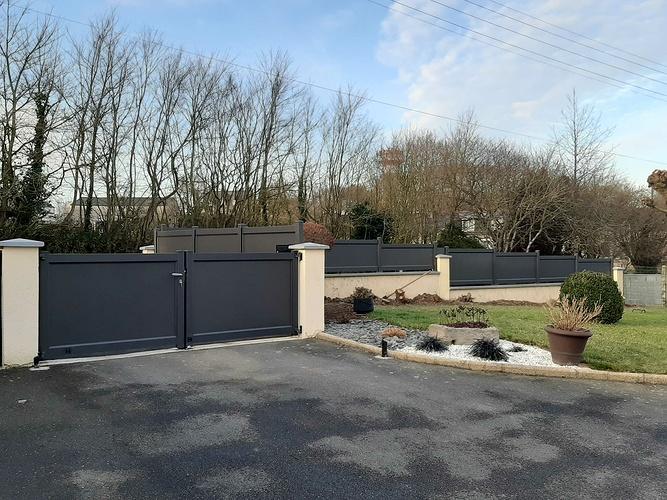 Remplacement portail et portillon PVC par menuiseries alu - installation clôture- Plerneuf 12