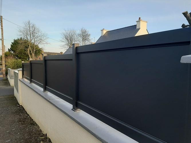 Remplacement portail et portillon PVC par menuiseries alu - installation clôture- Plerneuf 31