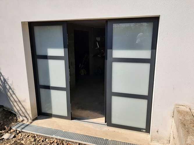 Remplacement porte de garage bois par porte isolante, lumineuse et sécurisante - Pordic 20210531113954
