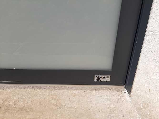 Remplacement porte de garage bois par porte isolante, lumineuse et sécurisante - Pordic 20210531114001