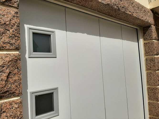 Remplacement porte de garage bois coulissante par une porte motorisée - Erquy 20210401144737