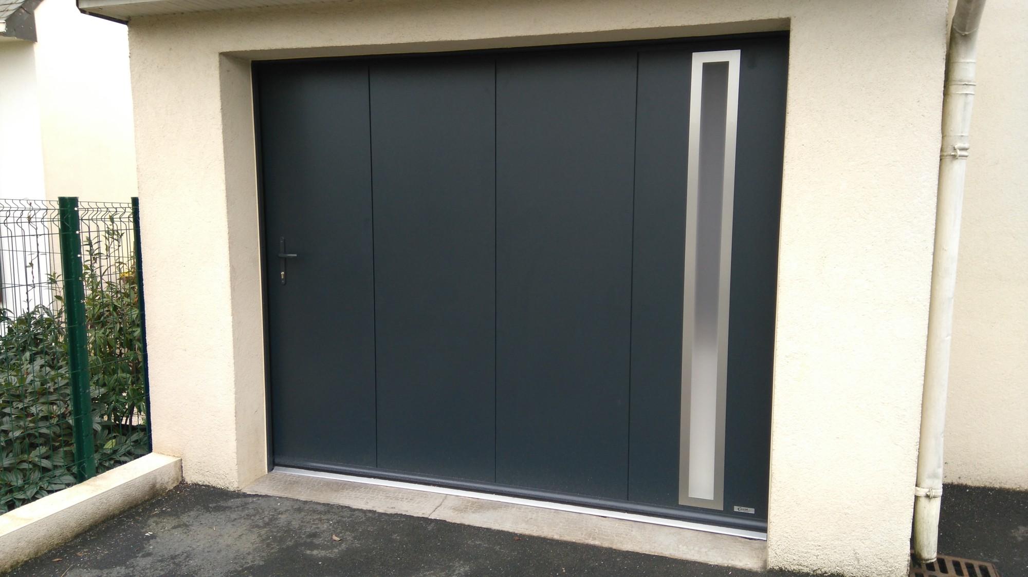 Porte De Garage Sectionnelle En Alu à Pordic Costa Menuiseries - Porte de garage aluminium